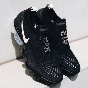 Nike women's air vapormax moc 2 -black and cream
